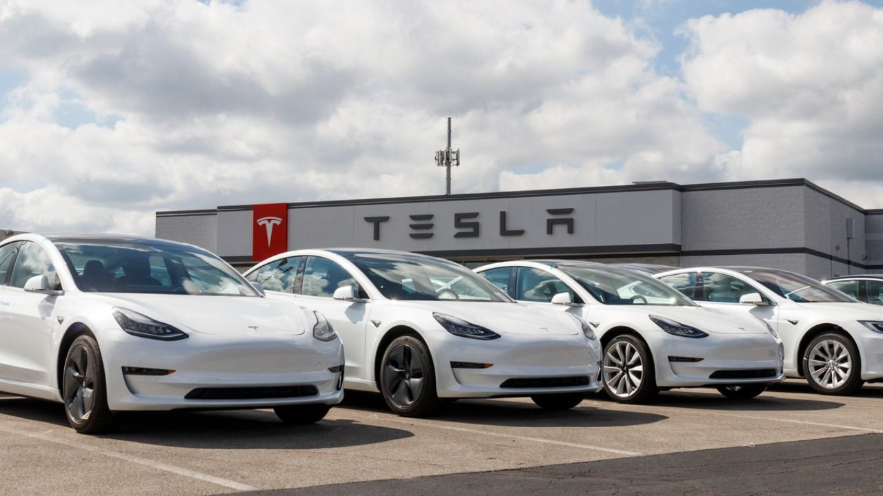 Elon Musk couldn't sell Tesla to Apple