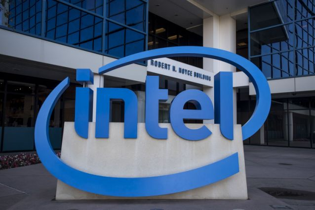 Intel Talks With TSMC, Samsung to Outsource Some Chip Production