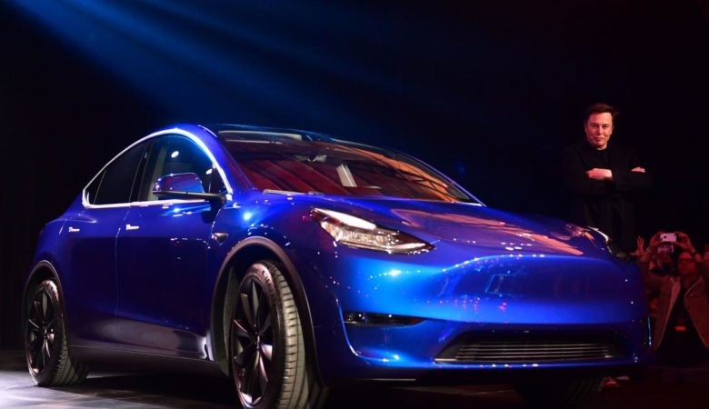 Tesla Model Y, a New S.U.V., Is Unveiled Amid Mounting Challenges - The New  York Times
